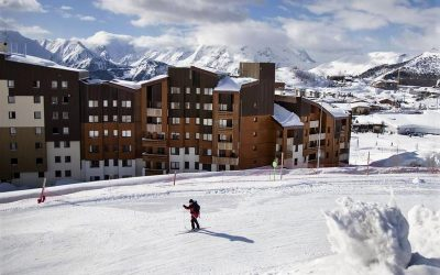 Alpes d'Huez, ski in/out residence – studios from €62,280.